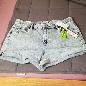 👖Cute & Sustainably Made Sz 15 Acid Wash Shorts